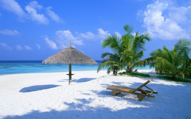 Beach Summer Rest Place Wallpaper 2560x1600 768x480