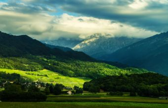 Beautiful Valley 4K Wallpaper 3840x2160 340x220
