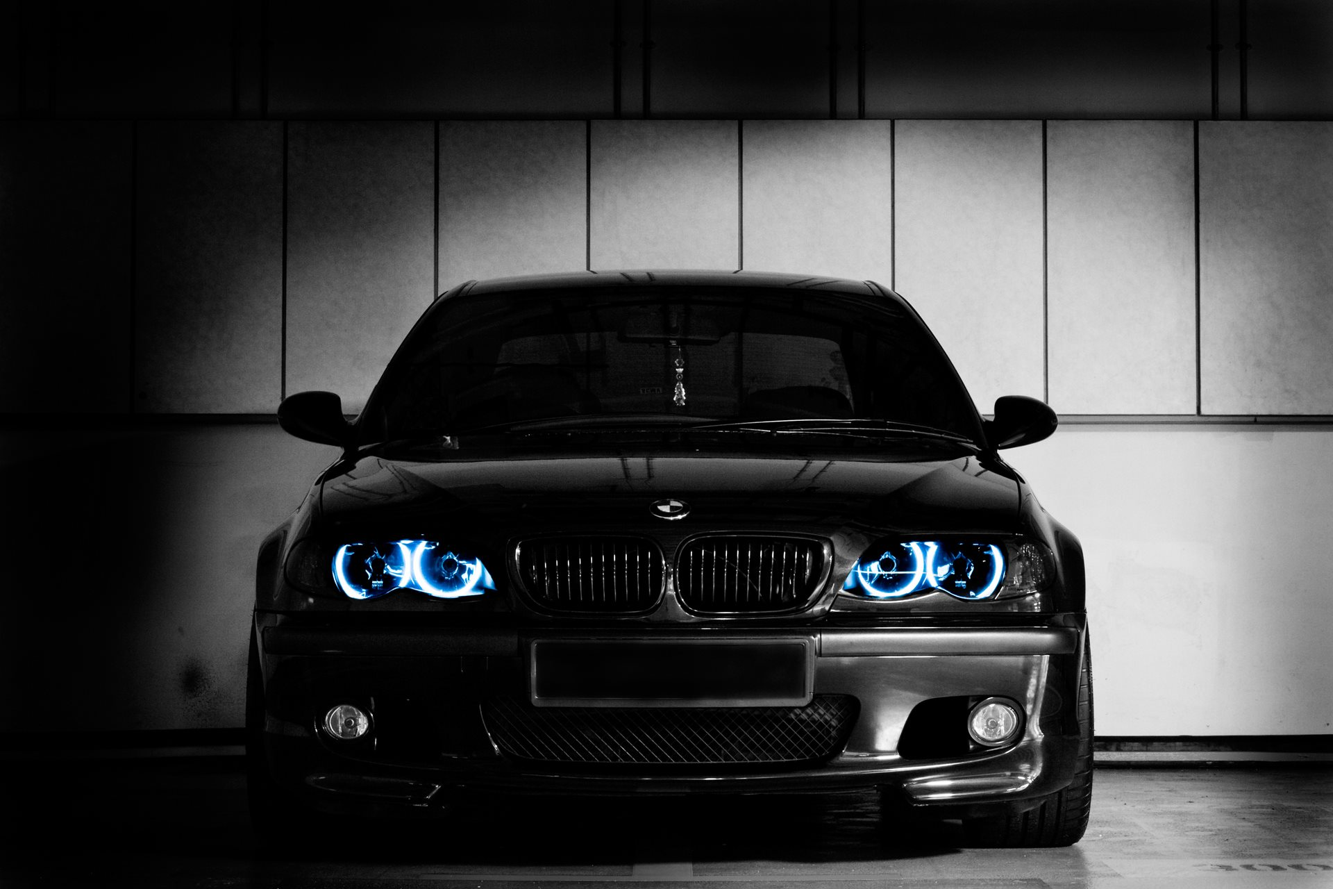bmw black in dark light