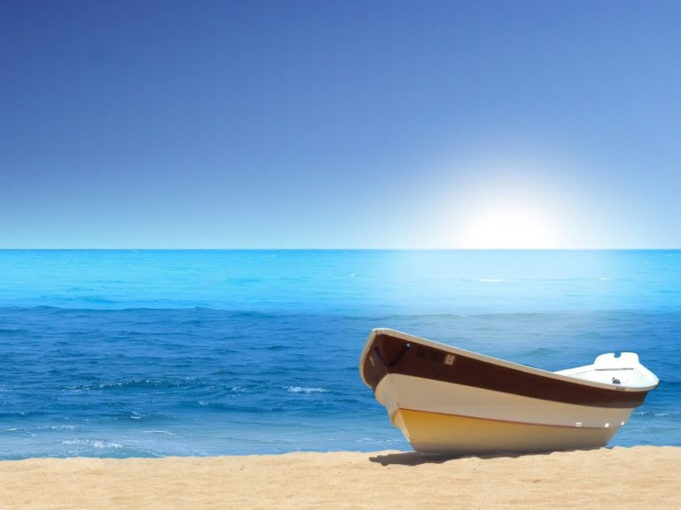Boat Sea Beach Wallpaper 1600x1200 768x576