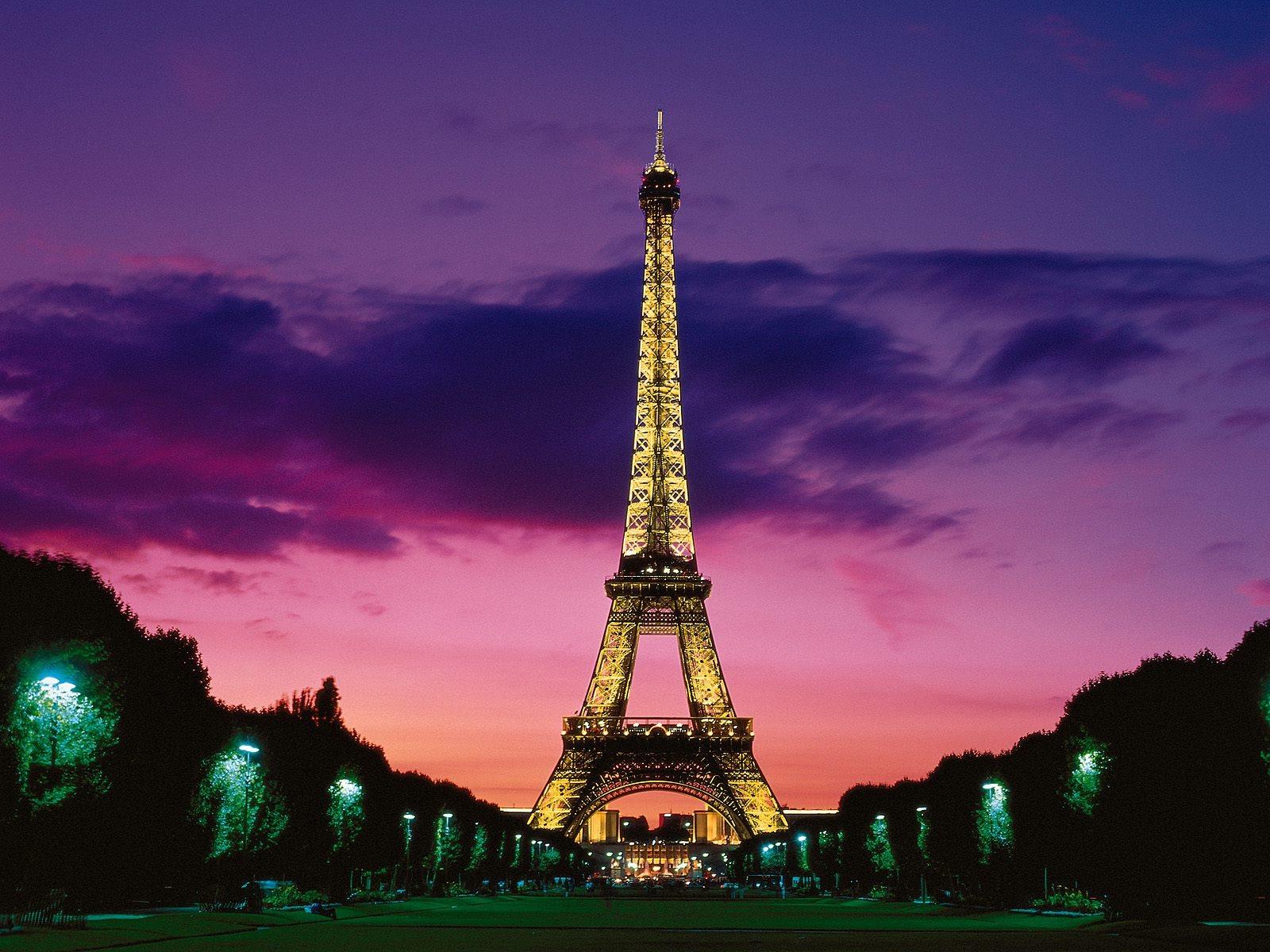 Eiffel Tower At Night Paris France Wallpaper 1600x1200