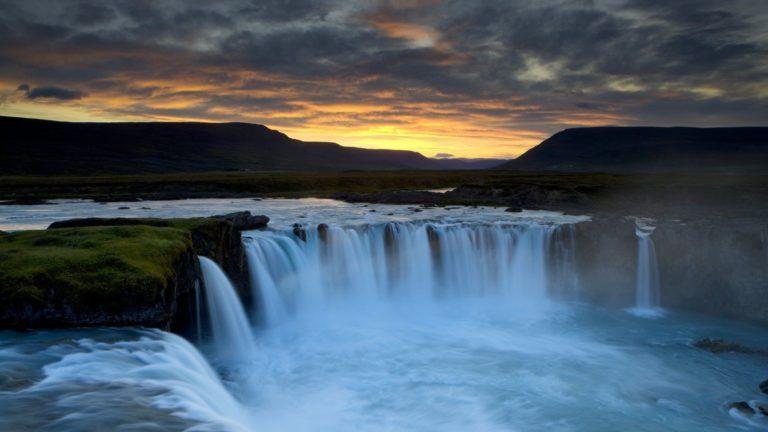 Evening Waterfall Wallpaper 768x432