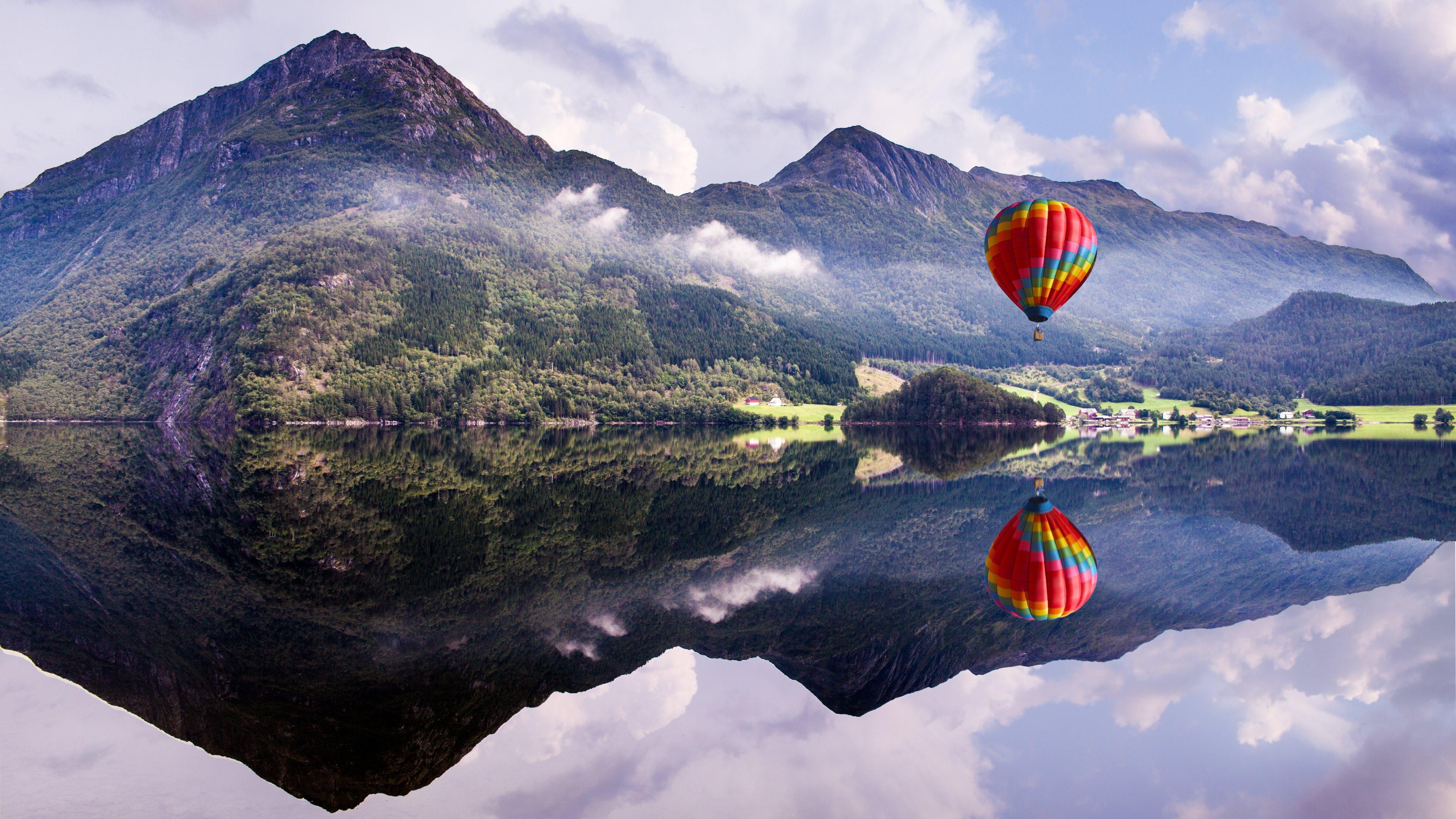 Hot Air Balloon 4K Wallpaper [3840x2160]