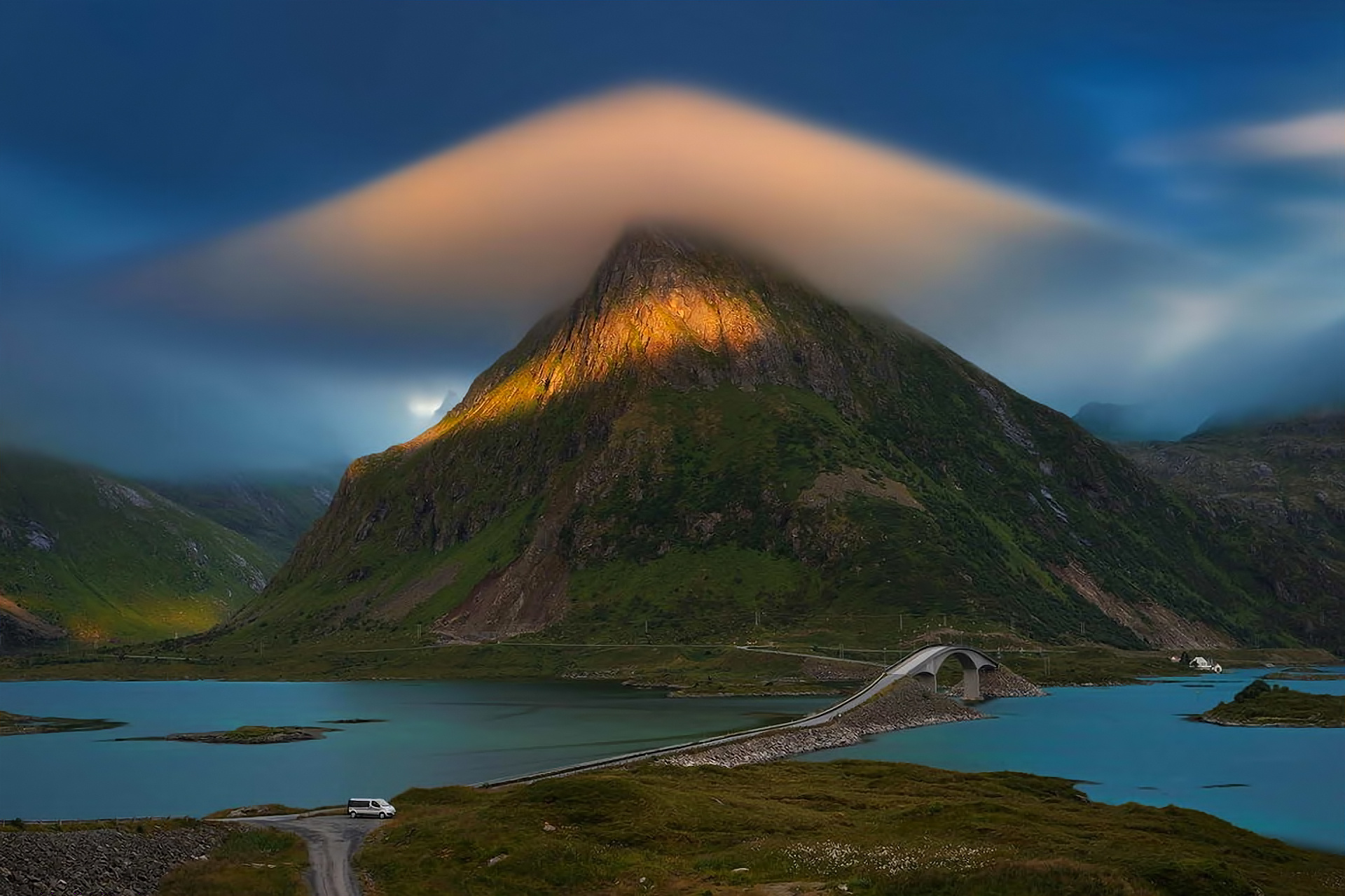 Most Inspiring Wallpaper Mountain Cloud - Landscape-Mountain-Cloud-River-Wallpaper-1920x1280  Pic_797974.jpg