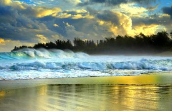Large Waves Battering Beach Wallpaper 1920x1080 340x220