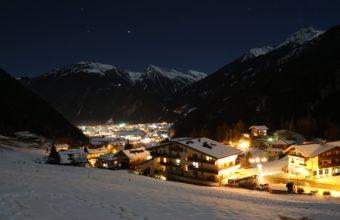 Mayrhofen 4K Wallpaper 5760x3840 340x220