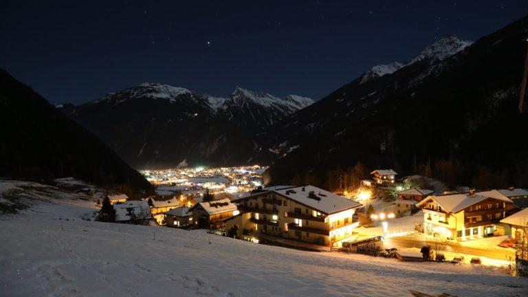Mayrhofen 4K Wallpaper 5760x3840 768x432