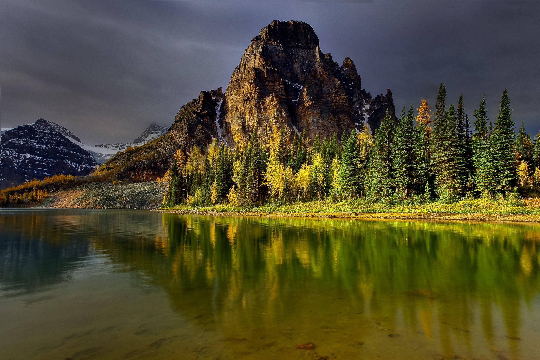 природа деревья озеро горы скалы nature trees the lake mountains rock  № 400368 бесплатно