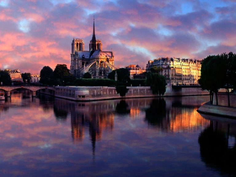 Notre Dame At Sunrise Paris France Wallpaper 1600x1200 768x576