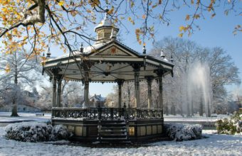Park Gazebo Winter Wallpaper 2500x1674 340x220