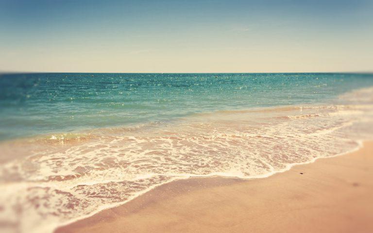 Retro Summer Beach Wallpaper 2560x1600 768x480