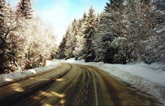 Road Turn Winter Wallpaper 1440x900 340x220