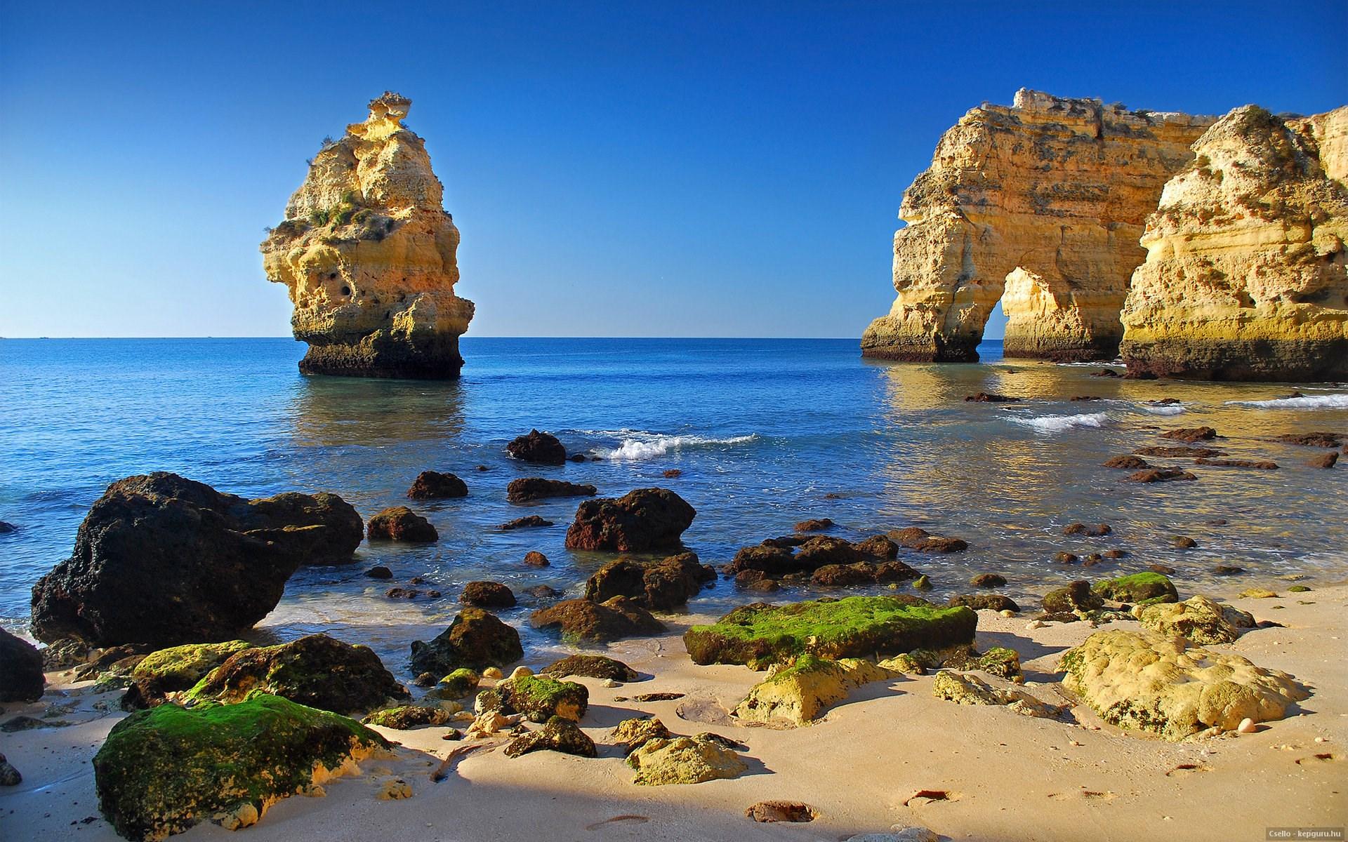 скалы в море без смс