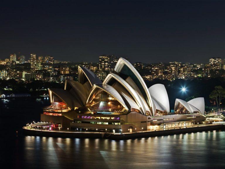 Sydney Opera House Night Wallpaper 1600x1200 768x576