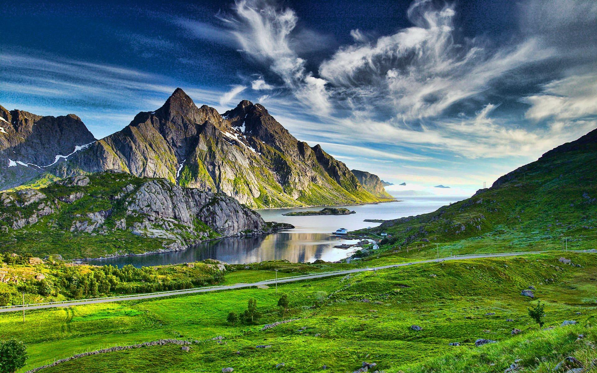 Warm Green Landscape Mountains Wallpaper 1920x1200