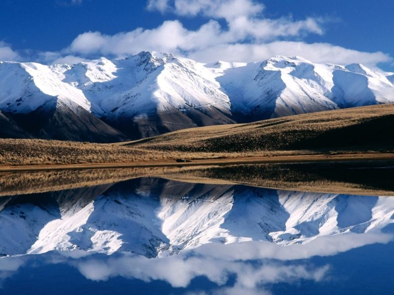 Winter Mountains Reflection Wallpaper 1600x1200 768x576