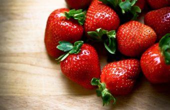Berries Strawberries Close Up Wallpaper 2048x1365 340x220