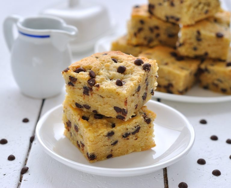 Cake With Chocolate Chips Wallpaper 2057x1673 768x625