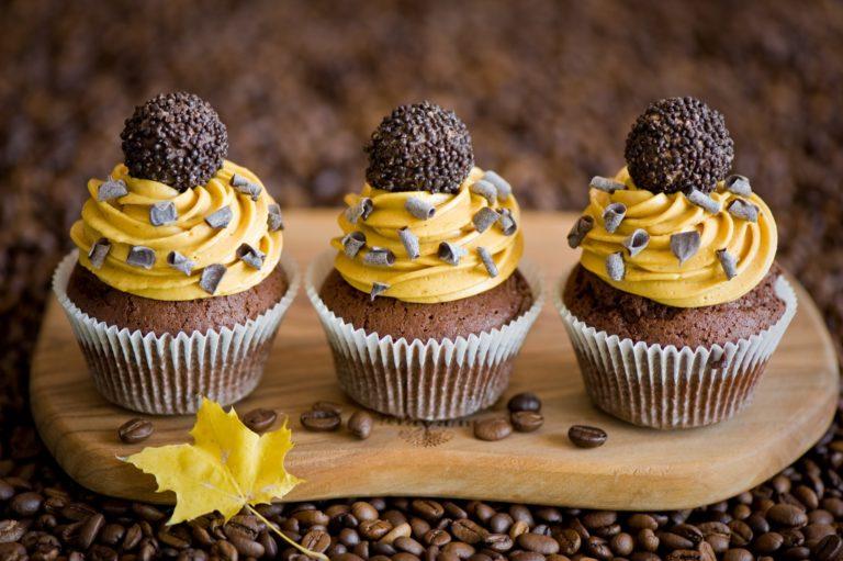 Cupcakes Cream Chocolate Wallpaper 2000x1331 768x511