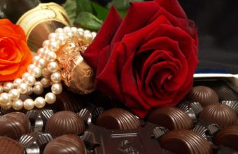 Flowers Chocolate Candies Rose Beads Wallpaper 1680x1050 340x220