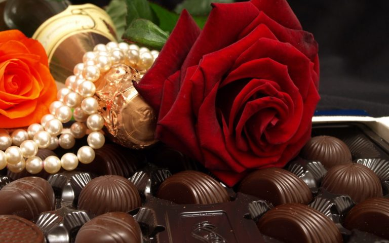 Flowers Chocolate Candies Rose Beads Wallpaper 1680x1050 768x480