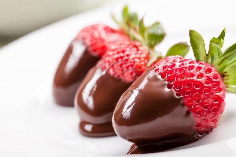 Strawberry Chocolate Dessert Wallpaper 3831x2554 768x512