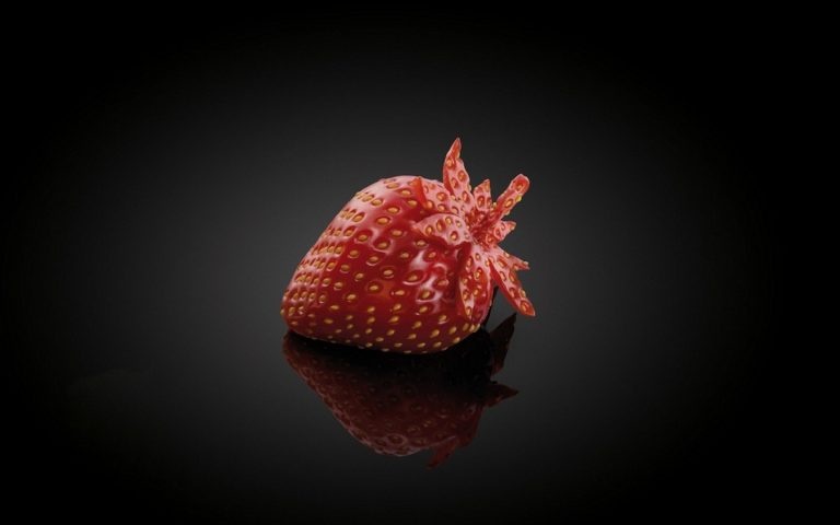 Strawberry Wallpaper 09 1440x900 768x480