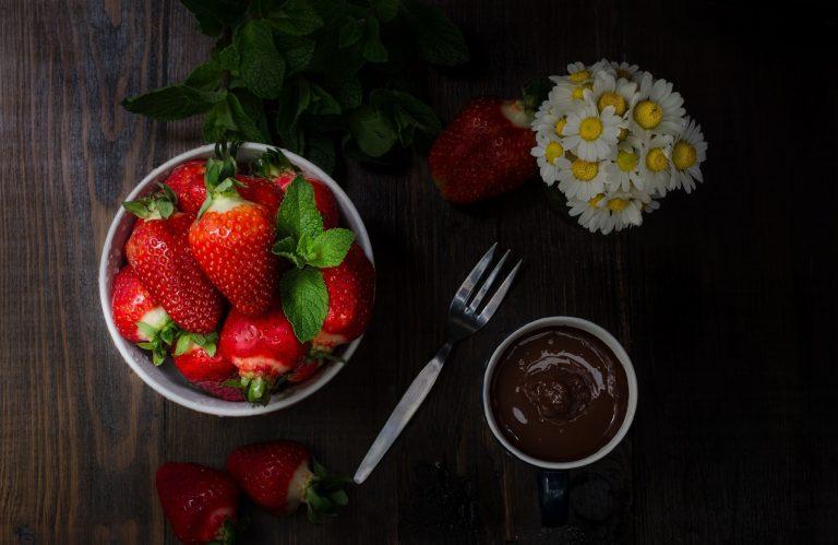 Strawberry Wallpaper 21 2048x1330 768x499