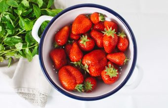 Strawberry Wallpaper 23 5616x3744 340x220