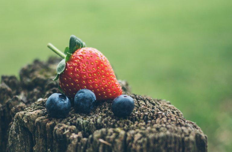 Strawberry Wallpaper 33 2966x1940 768x502