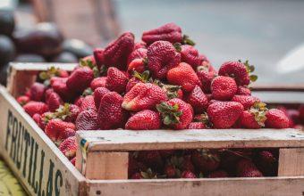 Strawberry Wallpaper 35 4323x2432 340x220