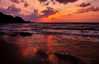 Amazing Red Sunset 2560 x 1600 340x220