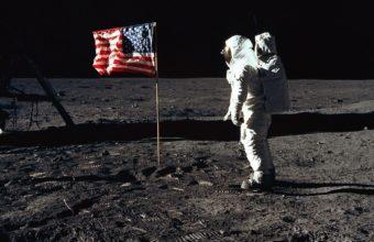 Astronaut Surface Flag 1440 x 885 340x220