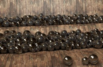 Balls Shelf Glass 2560 X 1440 340x220