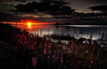Beautiful Dark Sunset 2560 x 1600 340x220