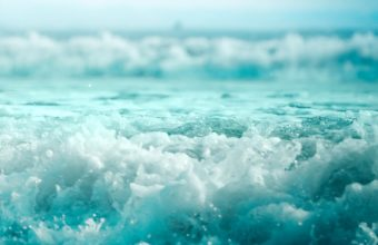 Beautiful Ocean Waves 2048 x 2048 340x220