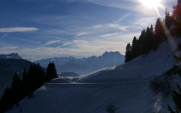 Beautiful Switzerland Winter 2560 x 1600 768x480
