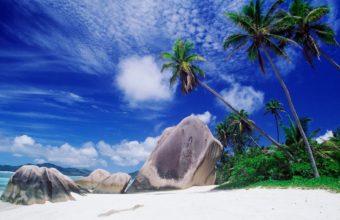 Big Rocks Beach 2560 x 1600 340x220