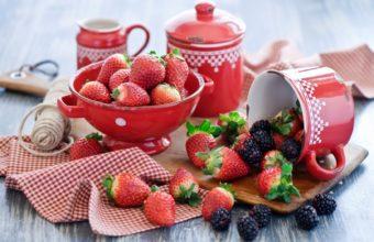 Blackberries Summer Dishes 1680 x 1050 340x220