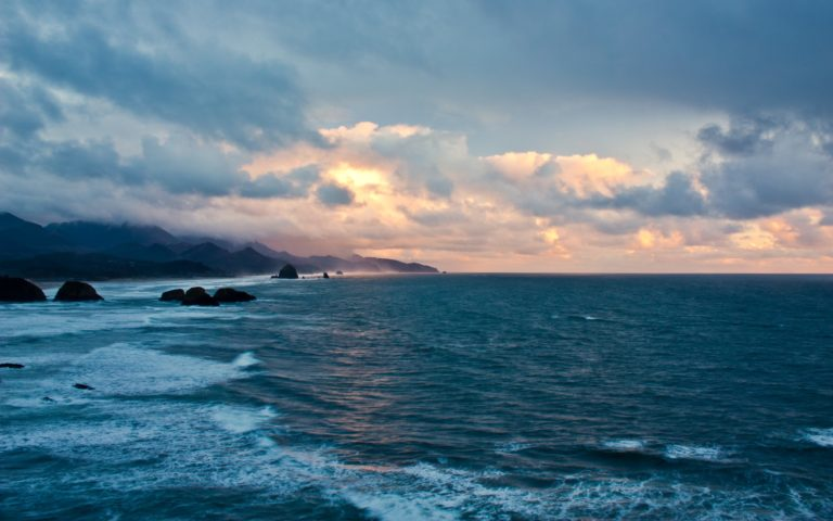 Blue Coast Sunset 2560 x 1600 768x480