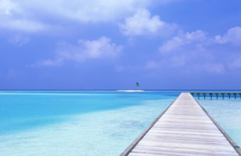 Blue Sky Blue Water 2560 x 1600 340x220
