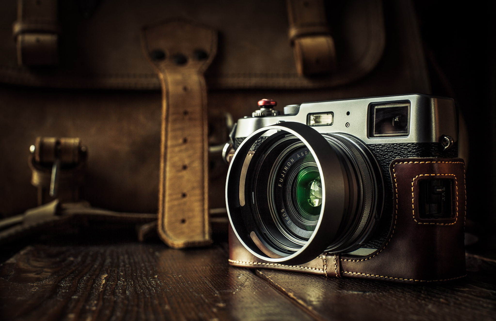 Camera Wallpapers 39 - [2047 x 1325]