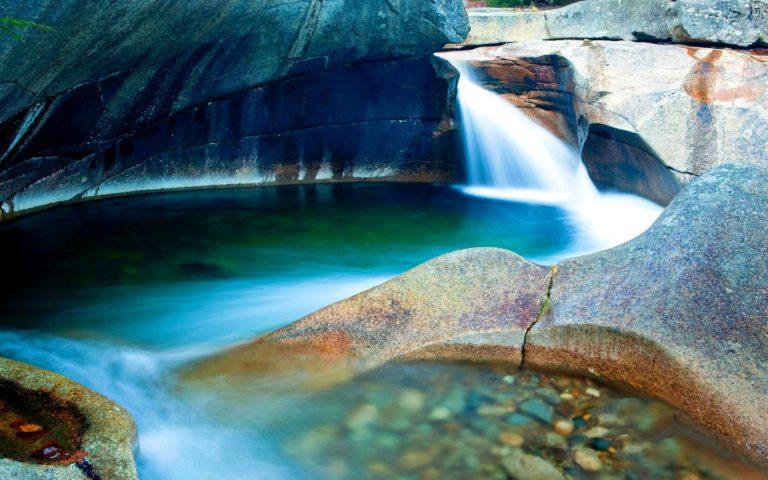 Cave Waterfalls 1920 x 1200 768x480