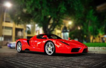 Ferrari Enzo 1920 x 1080 340x220