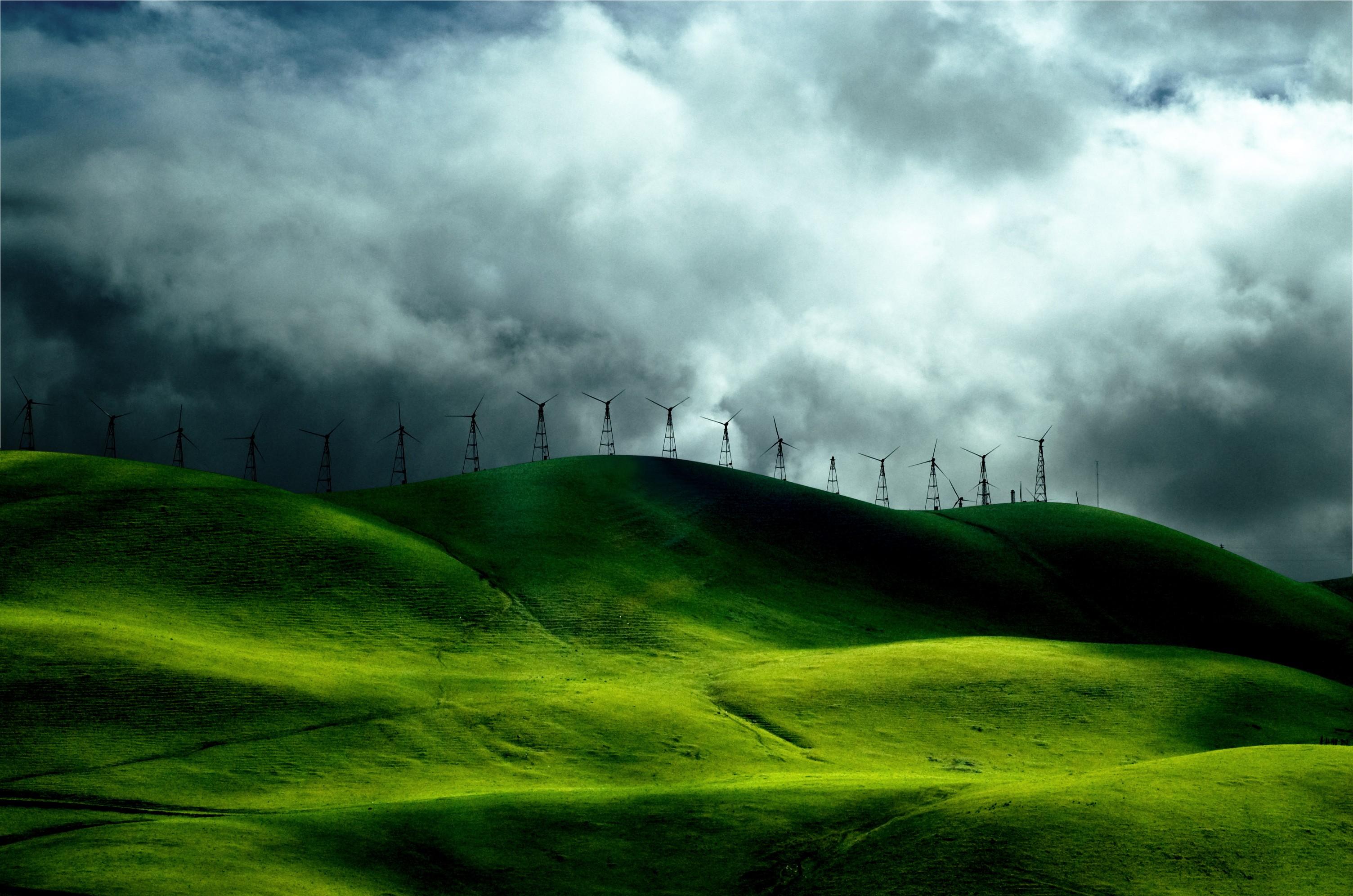 Зеленый травяной холм бесплатно