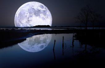 Full Moon 2880 x 1800 340x220