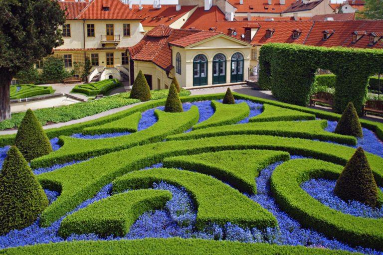 Garden Wallpapers 08 5400 x 3600 768x512