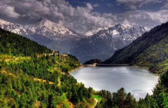 Green Mountain And Snowy Mountain 2880 x 1800 340x220