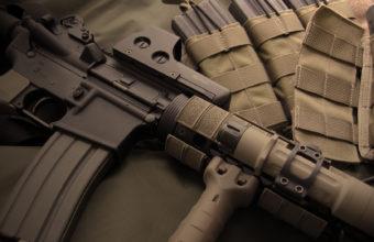 Gun Wallpapers 04 1680 x 1050 340x220