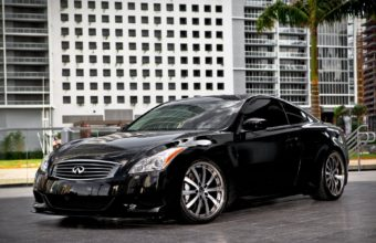 Infinity Black Car 1920 x 1200 340x220